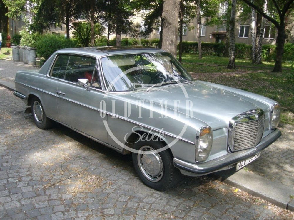 Mercedes-Benz W114 coupe 1970